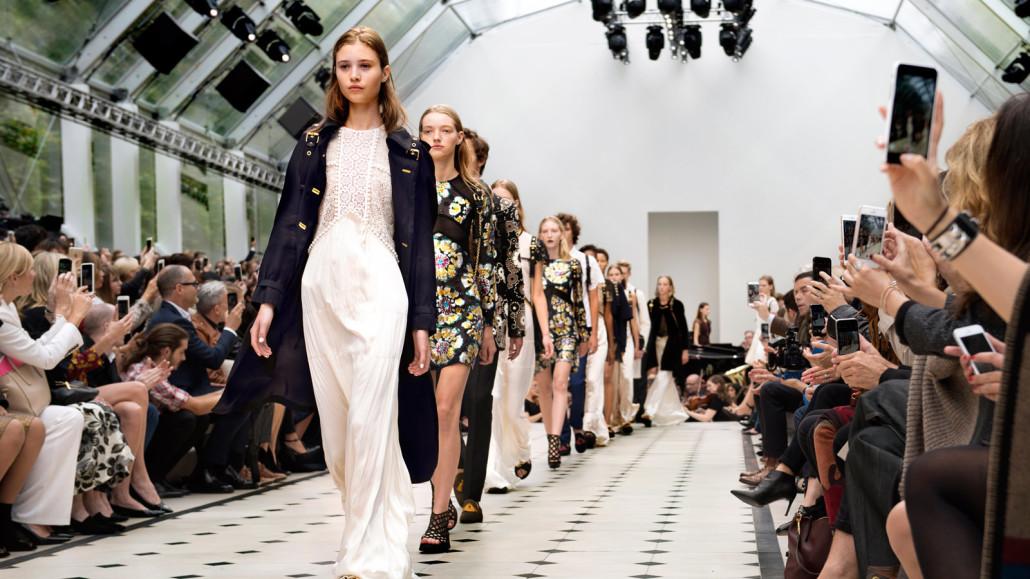 3-London-Fashion-Week-2016-online-trend-setters-2